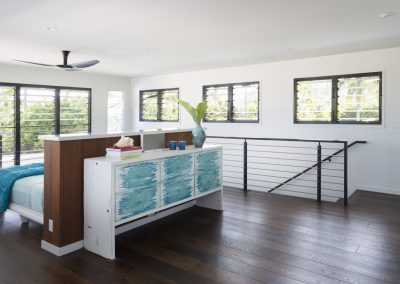 Master_bedroom_with_multiple_breezway_louvres_for_fresh_ventilation